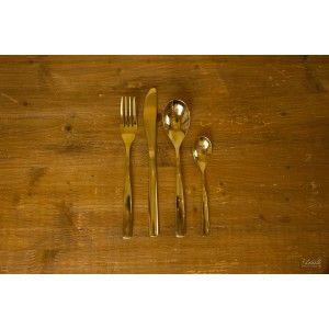 Fourchette de table dorée